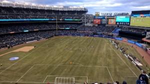 Yankee-Stadium-Mittig-Vollbild
